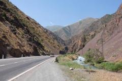 Durch-das-wilde-Kirgistan-2