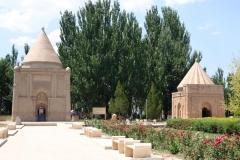 Mausoleum-von-Aisha-Bibi-1