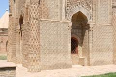 Mausoleum-von-Aisha-Bibi-2