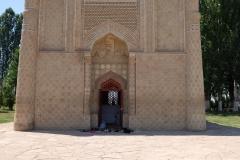 Mausoleum-von-Aisha-Bibi-5