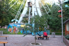 Vergnügungspark-inTaras-3