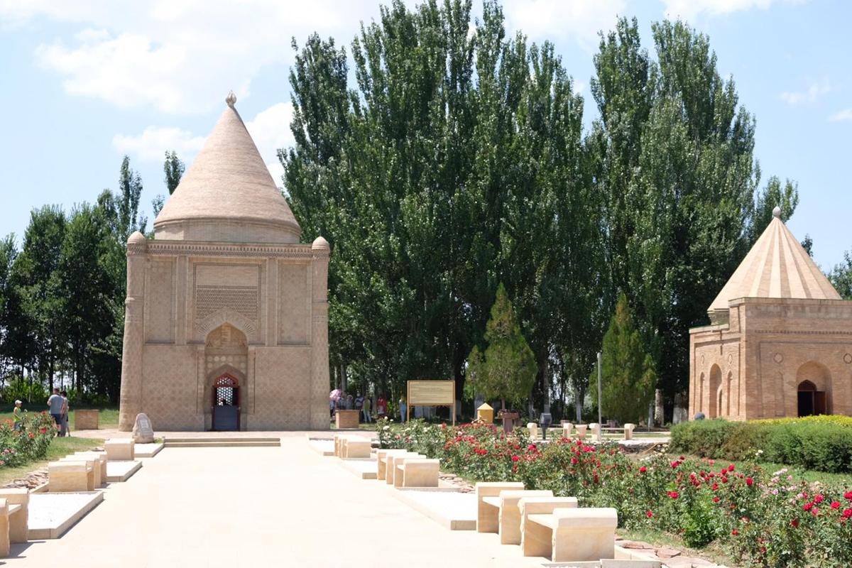 Mausoleum von Aisha Bibi in Kasachstan