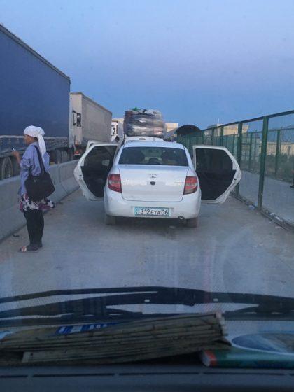 Grenzerfahrungen auf unserer Reise mit dem Auto nach China