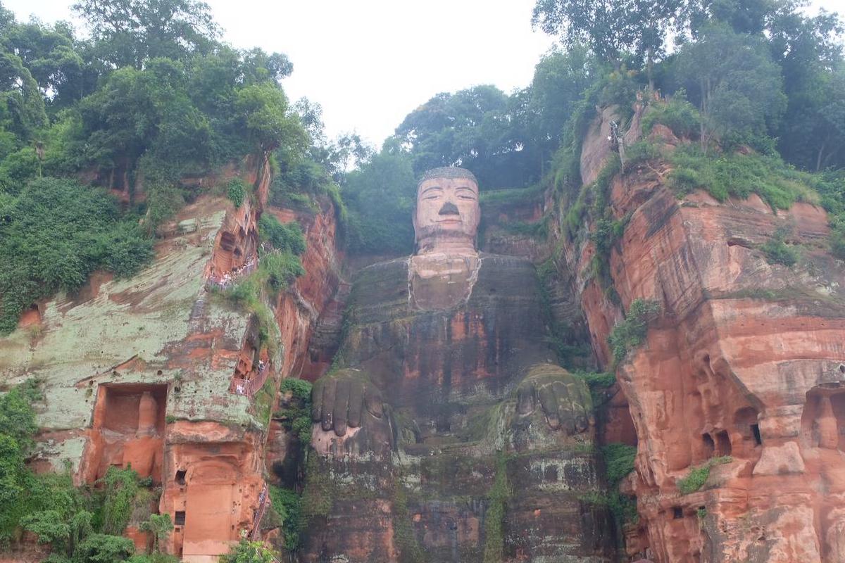 Leshan Buddha- die größte Buddha-Statue der Welt